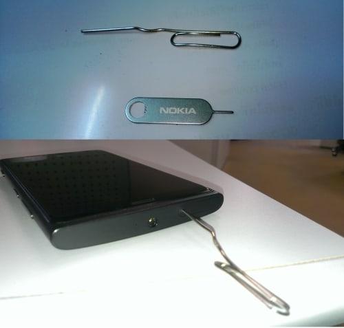 clip-paper-open-micro-sim-lumia-920