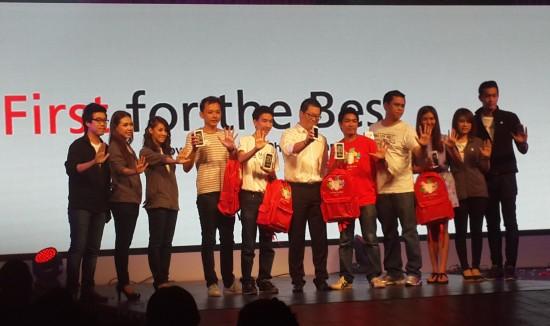 iphone-5s-iphone-5c-launch-thailand-c