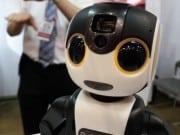 Robohon สมาร์ทโฟนในรูปแบบหุ่นยนต์น่ารักเหมือนคน